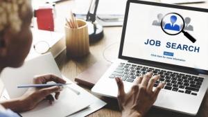 61% dintre români aleg să își schimbe jobul pentru un salariu mai mare